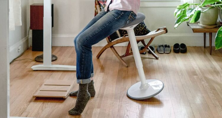 Luna Standing Desk Stool review